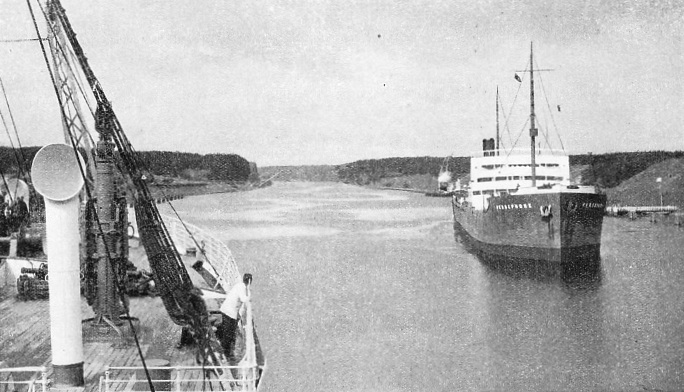 A typical reach of the Kiel Canal