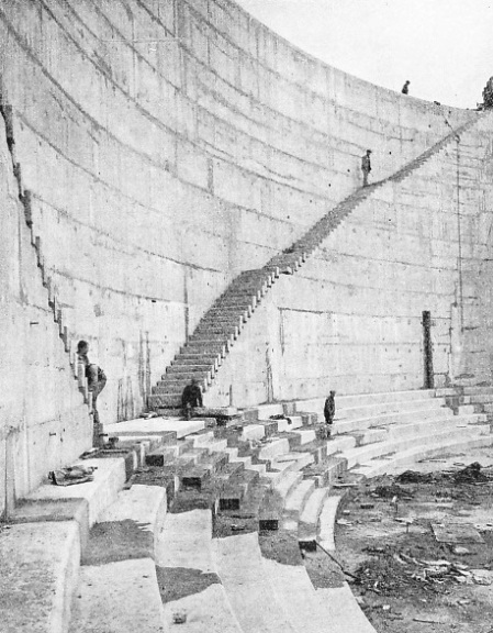 THE CONSTRUCTION OF THE KING GEORGE V GRAVING DOCK at Southampton