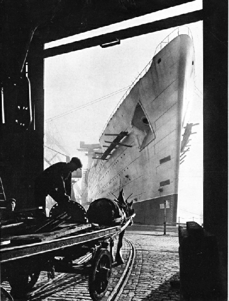 The Queen Mary under construction