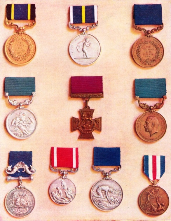 Medals for acts of bravery at sea
