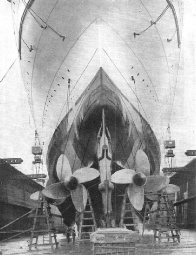 four-bladed propellers of the Mauretania