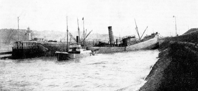 The British steamer Araby which unwittingly blocked Boulogne Harbour